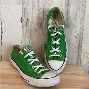 Converse | Green Chuck Taylors